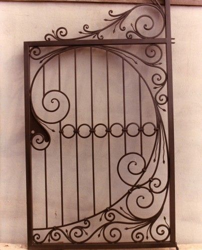 Cancelli in ferro battuto calci decori pinterest - Cancelli in ferro per porte finestre ...