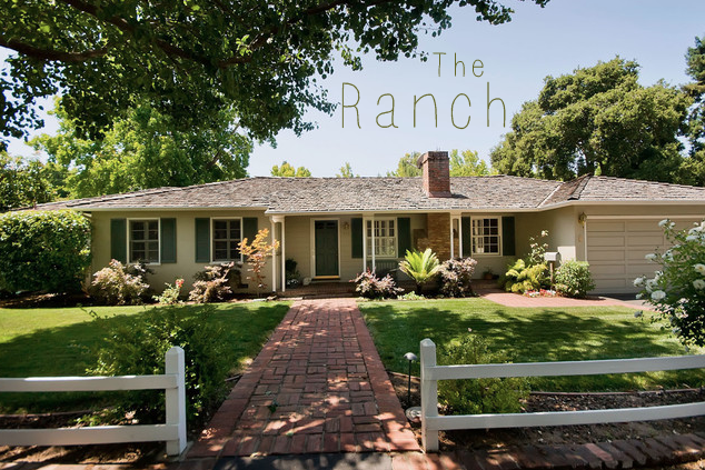 ranch white ranch style fence with walkway leading fromt door rh pinterest com