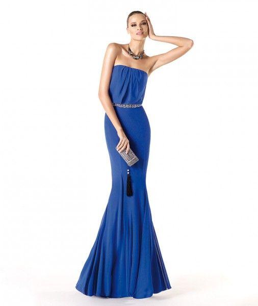 7df0d3e30 Vestidos de Fiesta 2014  el azul marca tendencia. Colecci n Trajes para  Bodas Pronovias.