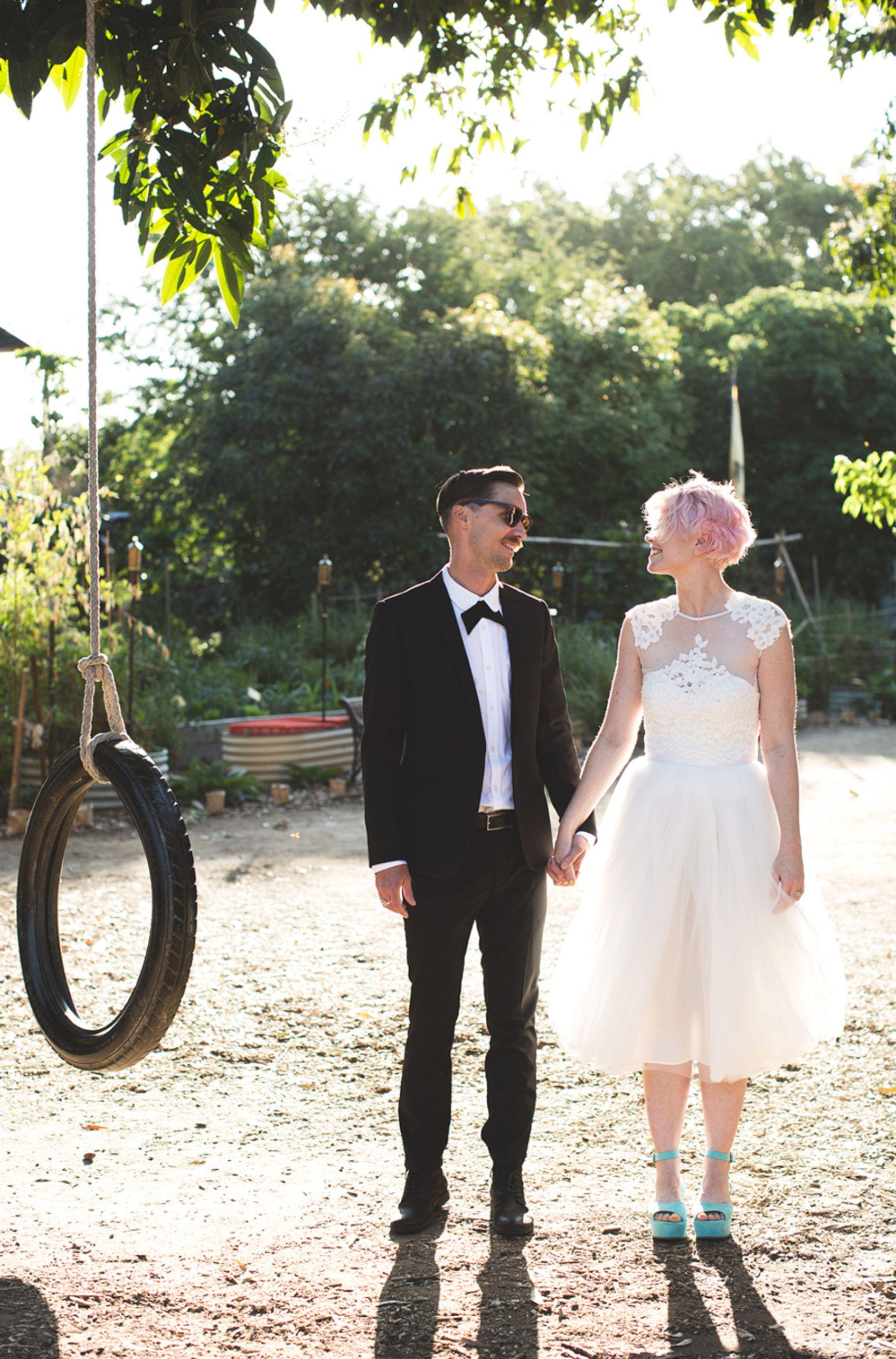 Tim and Kristie's Kitsch City Farm Wedding Drömbröllop