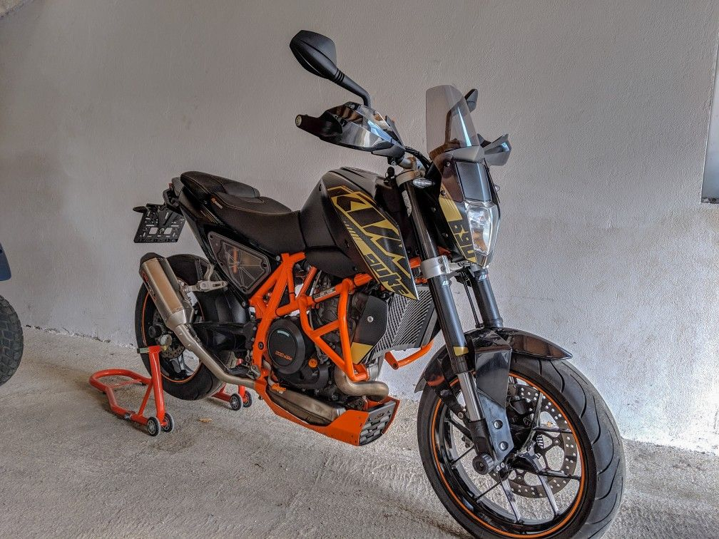 Ktm Duke 690 2013 With Stealth Kit And Sebring Exhaust 2016 Seats And Puig Light Smoke Windscreen