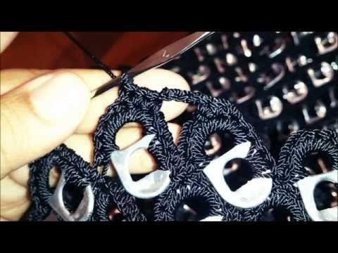 BOLSA TEJIDA A CROCHET CON ABANICOS Y ANILLAS DE LATA(PARTE 2 DE 2) - YouTube