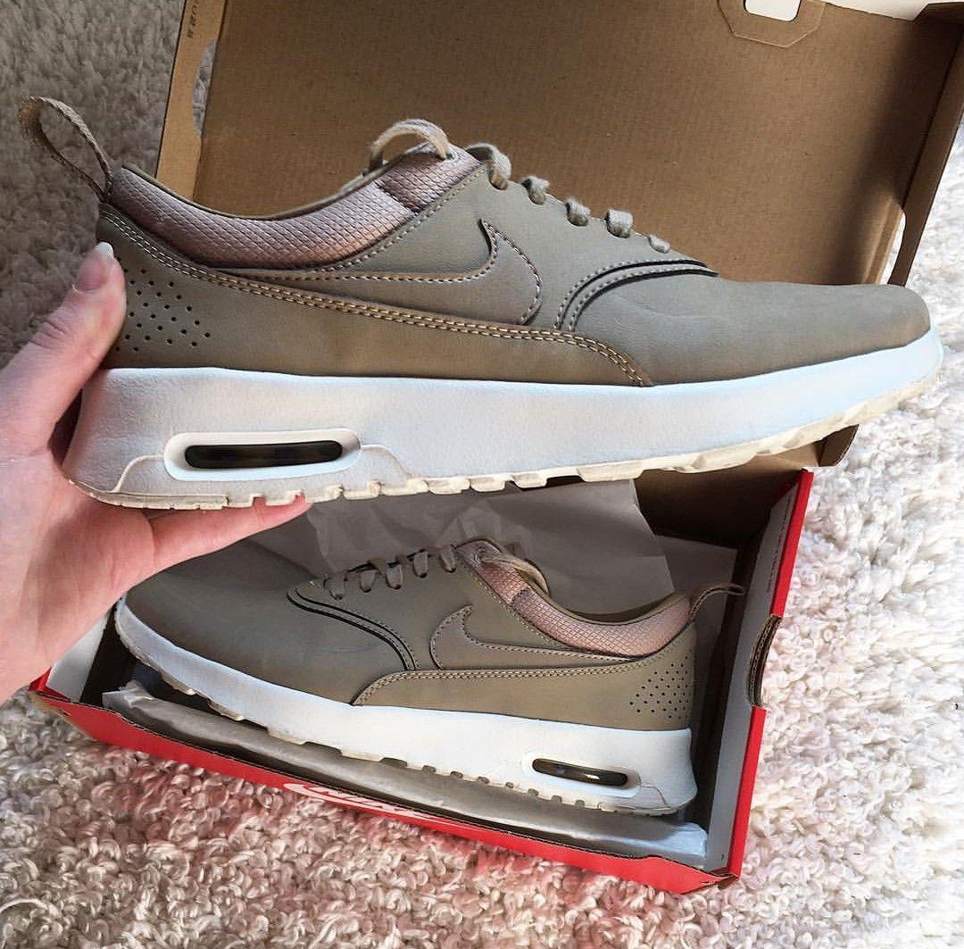 Nike Air Max Thea Premium in braun-beige/desertcamo // Foto:xstylebl0gger