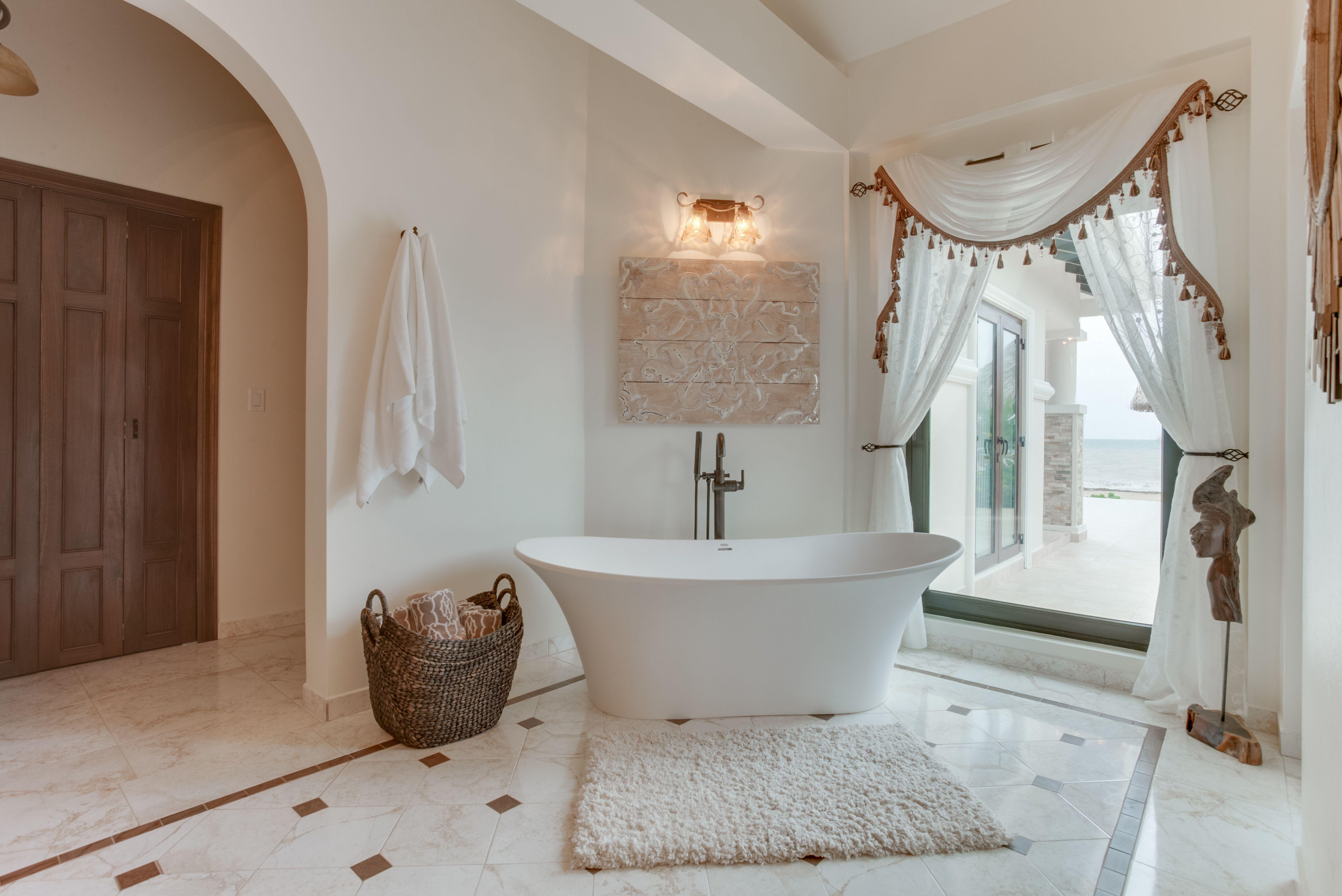 Jacuzzi Verona Unique Size Soaking Tub Available