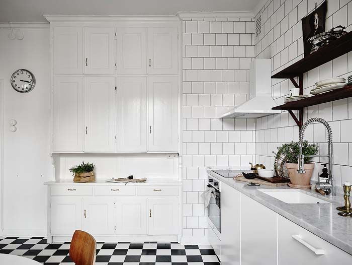 combine old and new old white cabin and modern clean line kitchen rh pinterest es