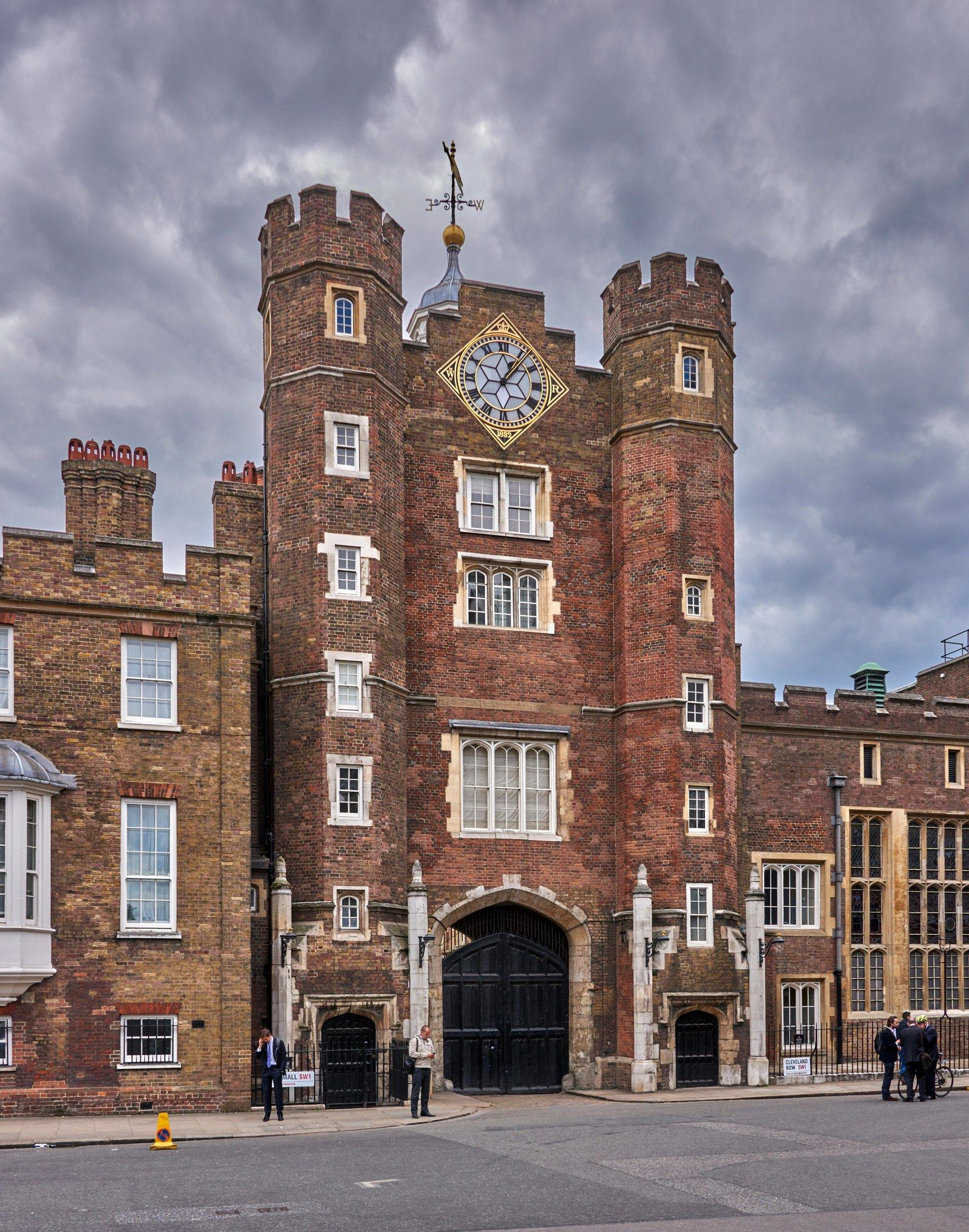 12+ Where does queen elizabeth ii live ideas