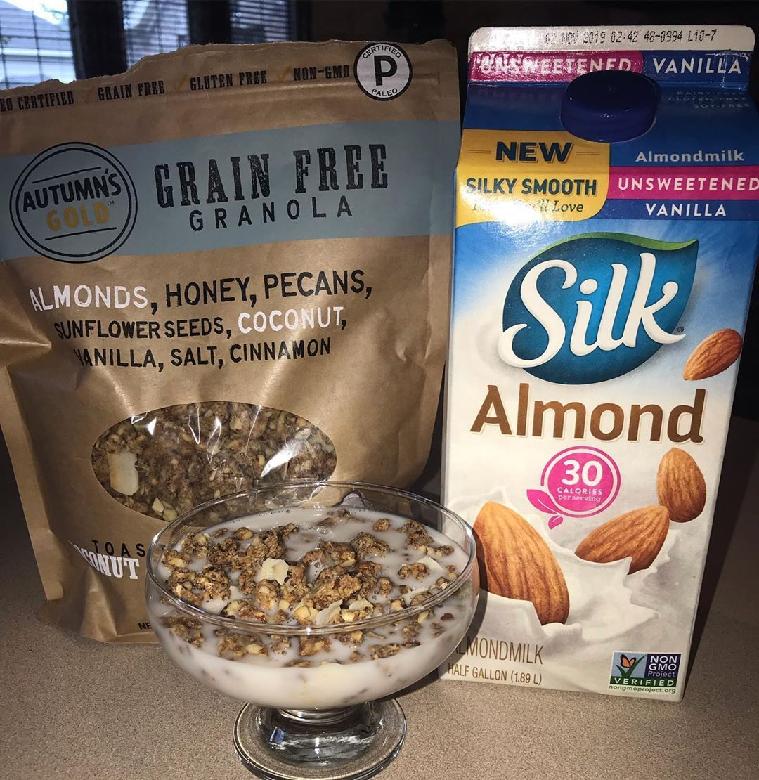 Debbie 46lbs On Instagram I M Still Obsessed With This Autumn S Gold Granola From Costco Have Y All Tried It Yet Gra Granola Grain Free Keto Recipes