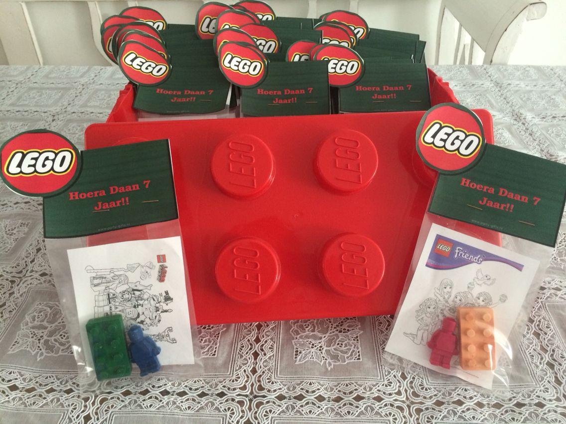 Lego Wasco Krijtjes Met Lego Kleurplaat Wasco Gesmolten In Legoijsblok Vormpjes 180 Graden En Ongeveer 3 4 Minuten Lego Lego Kleurplaten Lego Kinderfeestje