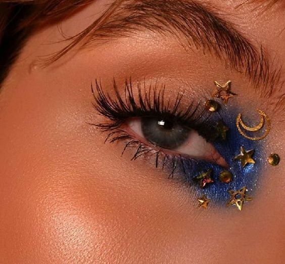 Uploaded by Katelyn Pugh. Find images and videos about girl, beauty and blue on … Trendy Outfits