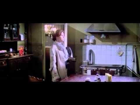 A   Casa  do  Cemiterio -  1981   legendado