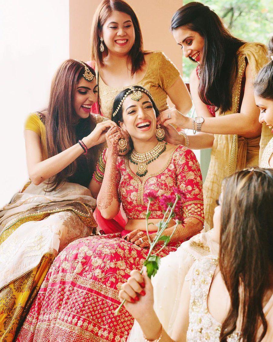 Bride / bridesmaid / Wedding Photography / Bridal / Getting ready /  Photography / W… | Indian wedding photography poses, Bridal photography  poses, Bridal photoshoot