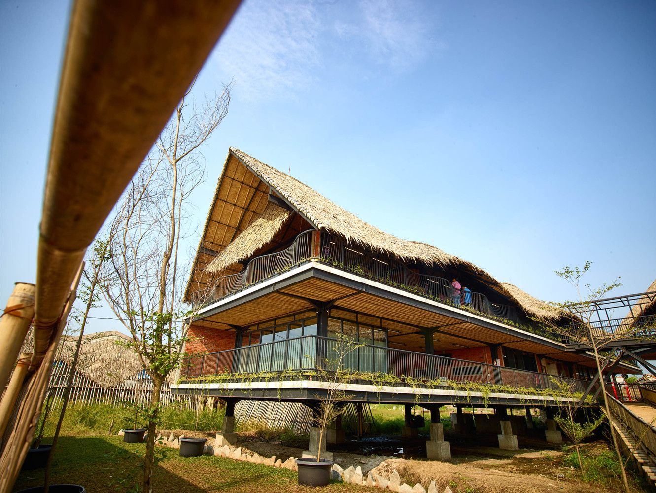 Gallery Of School Of Alfa Omega Realrich Architecture Workshop 12 Bamboo Roof Architecture Building Design