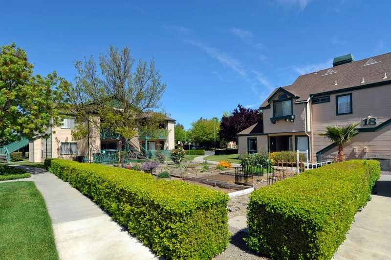 Heritage Park Livermore For Seniors In Livermore Ca Dog Friendly Apartments House Styles Community Gardening