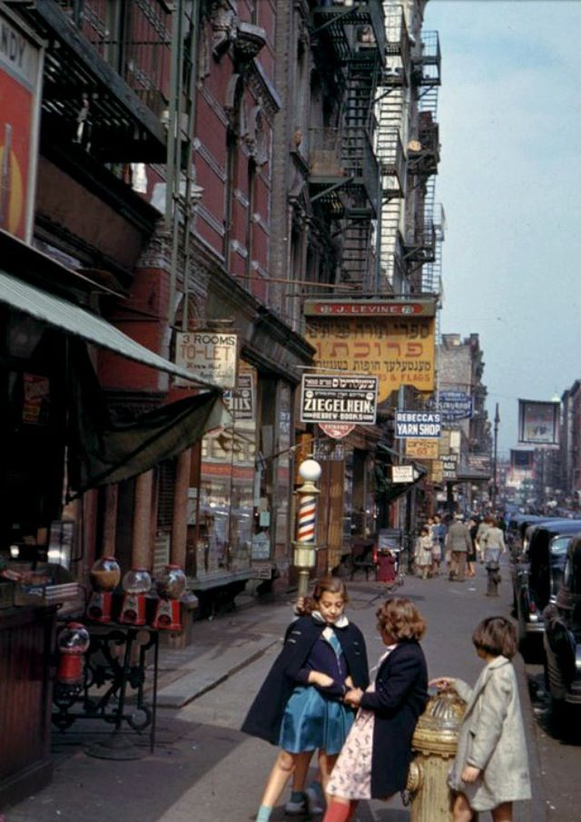 lower manhattan nyc 1942 barber shop new york city photos rh pinterest com