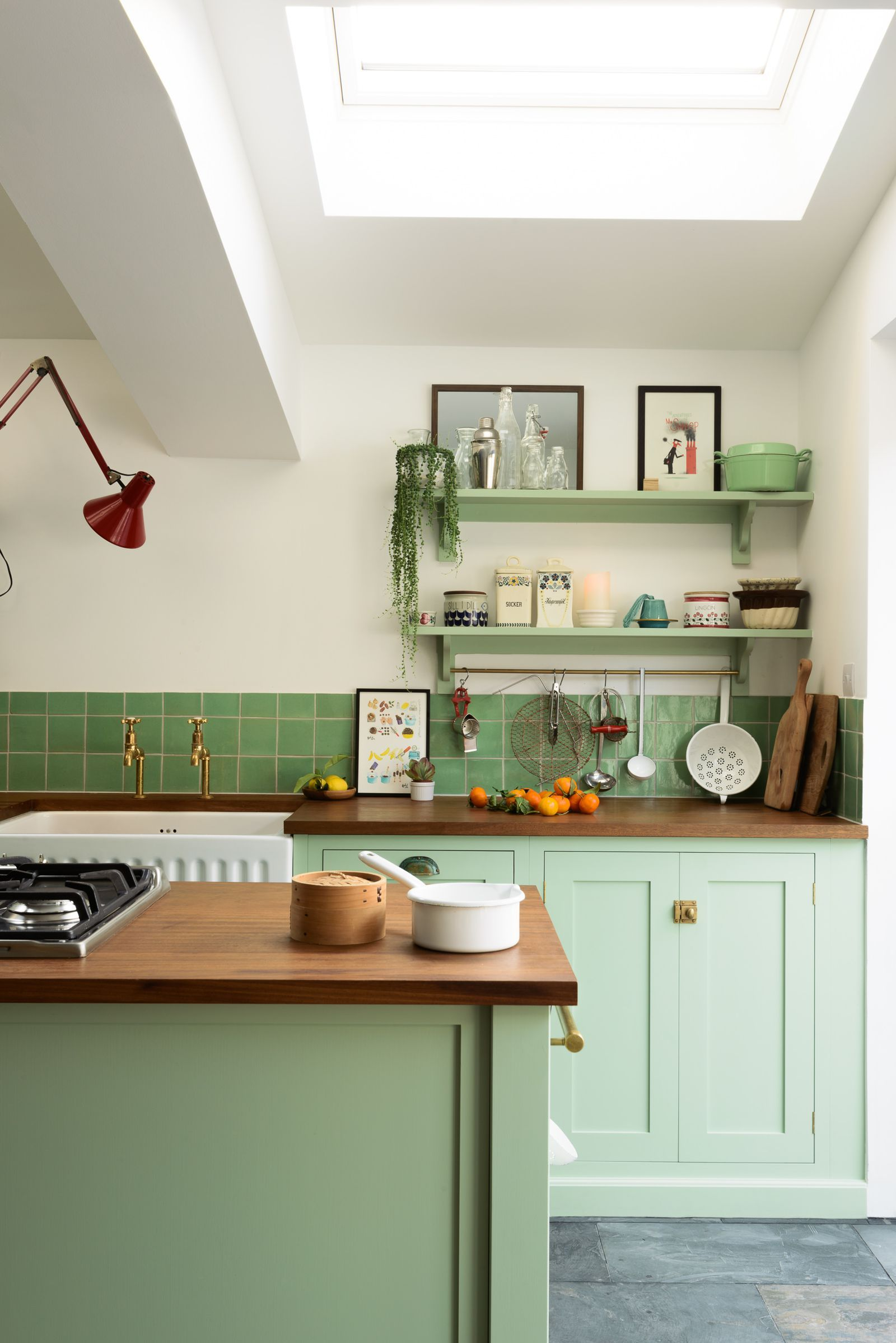 7 bold and beautiful colour ideas for a modern kitchen kitchen rh pinterest com
