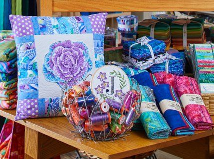 Fabric Display Quilt Shop In Lancaster Pa Fabric Store Pinterest