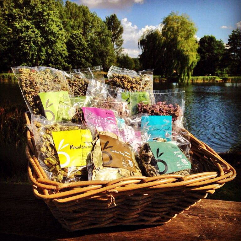 Enham Alamein Natural flavors, Herbs, Basket