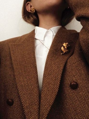 Photo of Nothing like an elegant gold brooch to show a masculine …