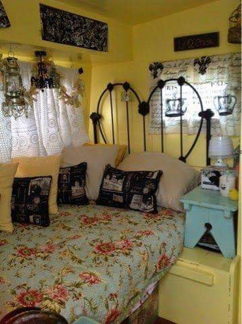Fabulous RV Camper Vintage Bedroom Interior Design