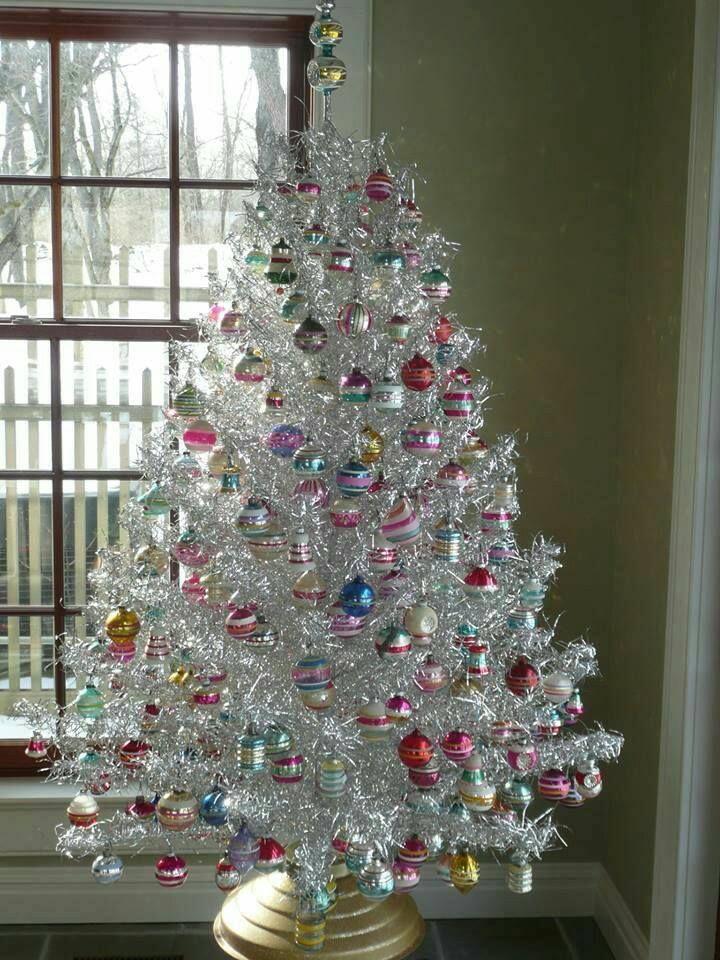 Lovely Vintage Aluminum Christmas Tree Silver Christmas Decorations Tinsel Christmas Tree