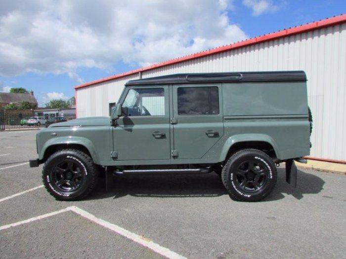 Land Rover Defender 110 2.2 TDCi XS Utility Wagon Over Land Edition