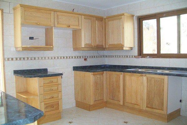 Cajones y muebles para cocinas integrales medianas - Simple ...