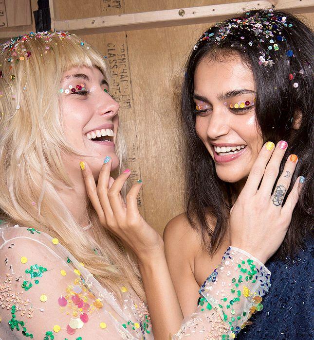Сорвиголова: самый смелый праздничный макияж   Красота   Тенденции   VOGUE