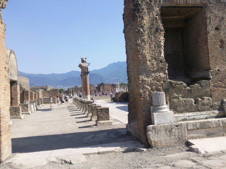 Antike Stadt Pompeji - Forum, Reste des Portikus