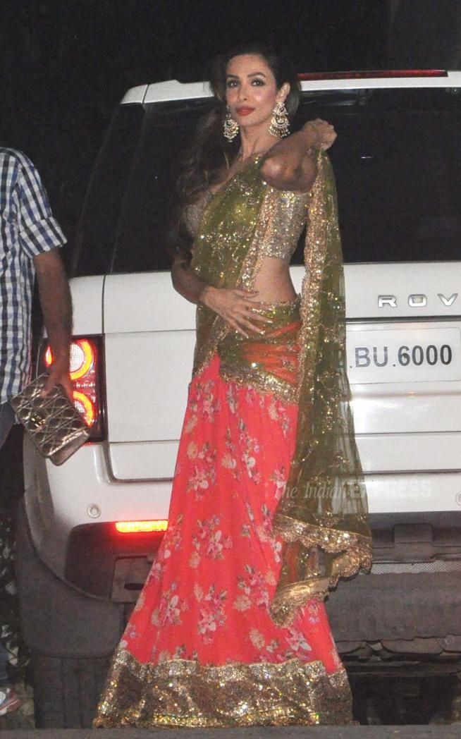 b5e35998cc0a2 Malaika Arora Khan at Afsar Zaidi s  Diwali party.  Bollywood  Fashion   Style  Beauty  Hot  Desi  Ethnic