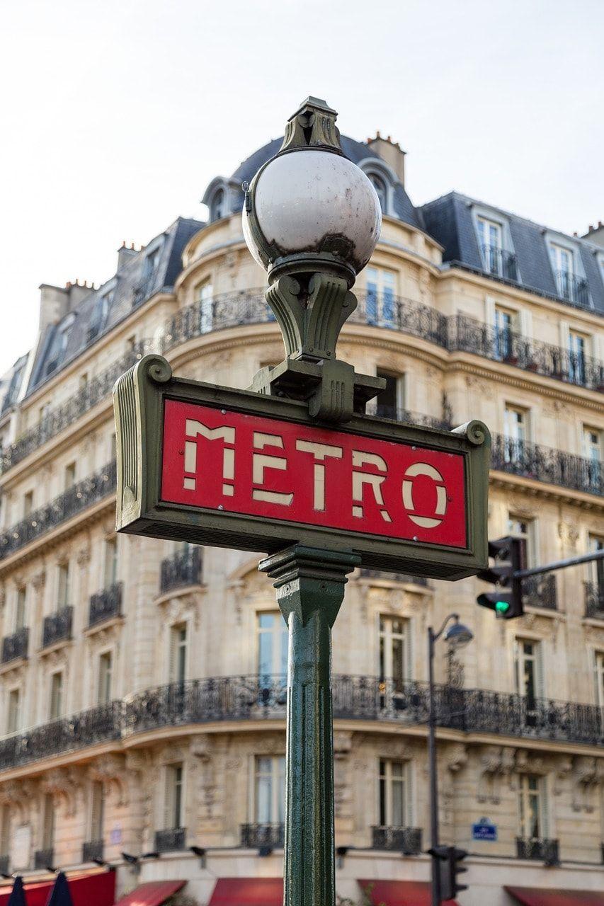 11 Things Tourists Should Never Do In Paris Ever Paris Travel Paris Metro Paris Itinerary