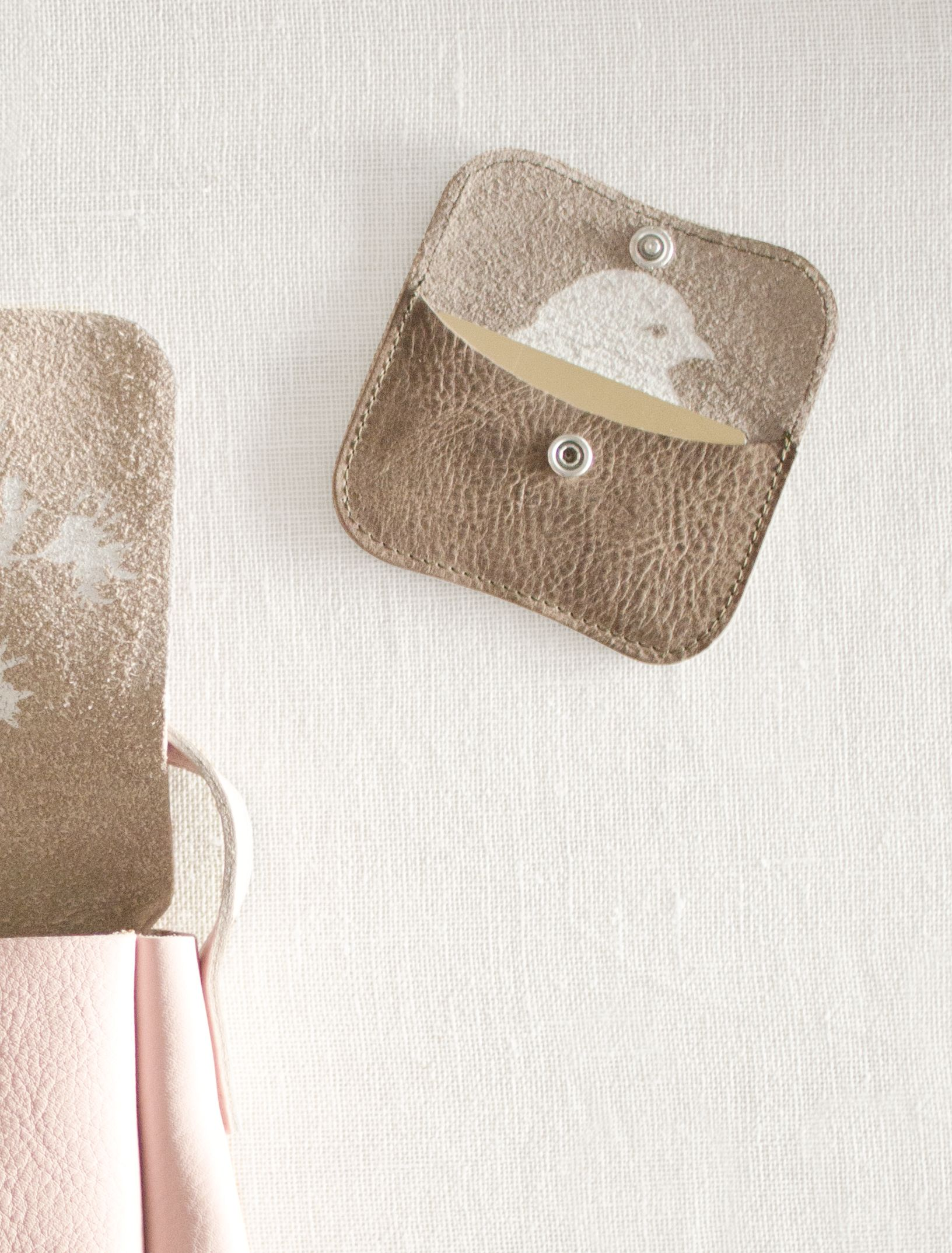 + ATLITW Keecie Mini Me Leather http://www.alltheluckintheworld.nl/product-category/wallets/page/2/