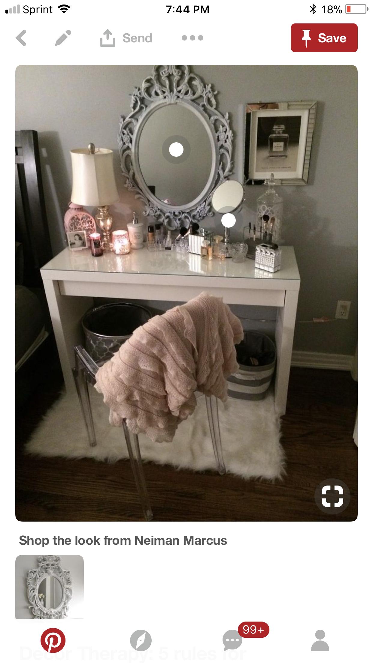 Pink and gold bedroom make up vanity