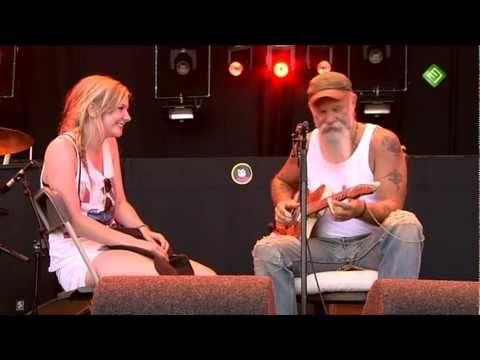 Seasick Steve - Walkin' man - YouTube | Just Listening