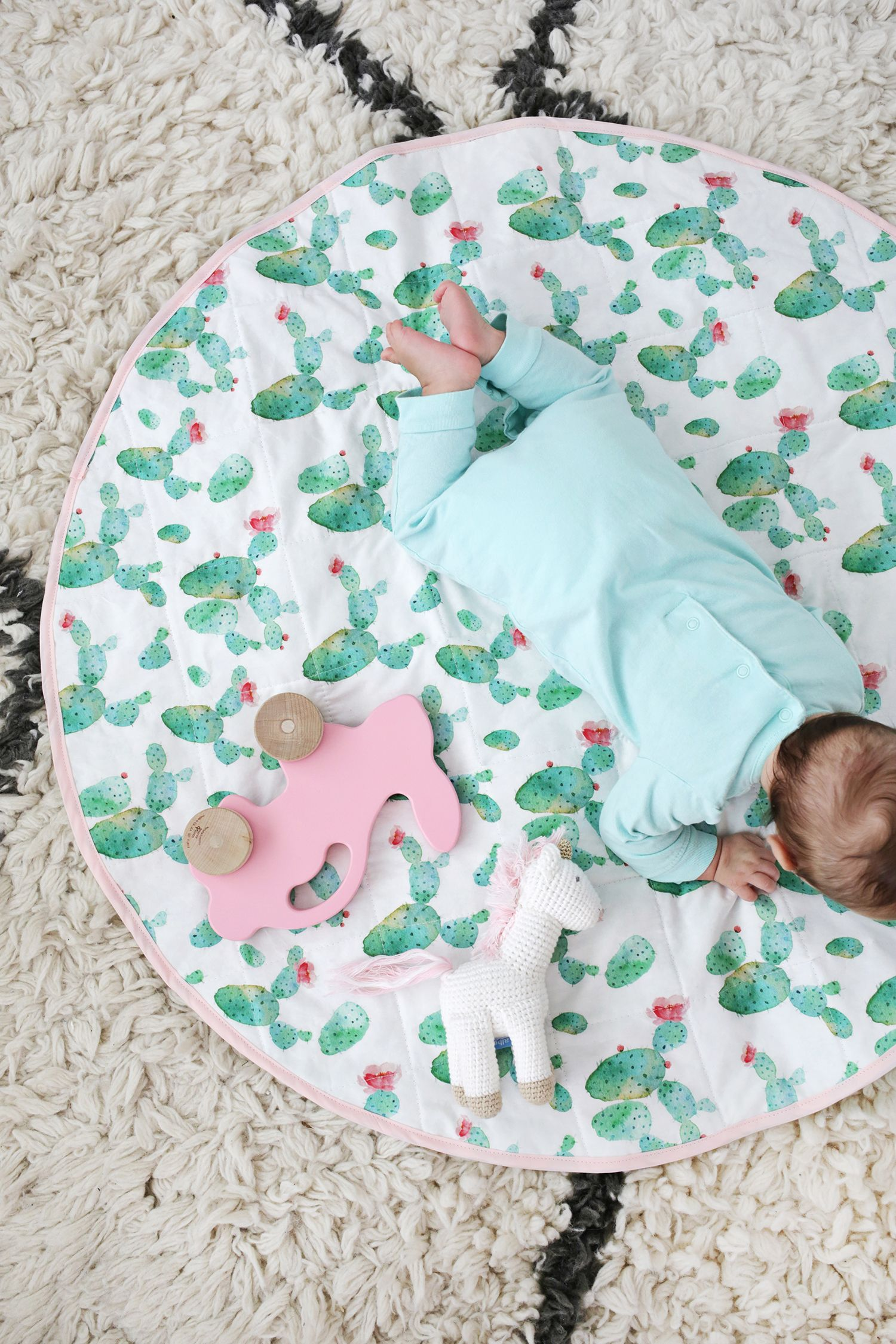 Round Quilted Play Mat Diy Kiddo Bedroom Baby Sewing