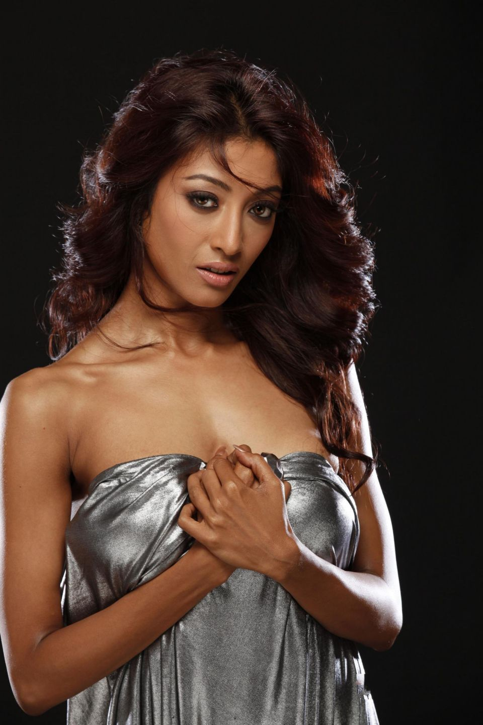 Paoli Dam Hot Stills From Hate Story