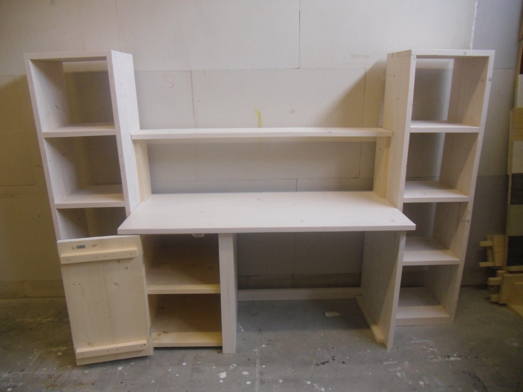 Zon steigerhout bureau met kast en boekenplank office