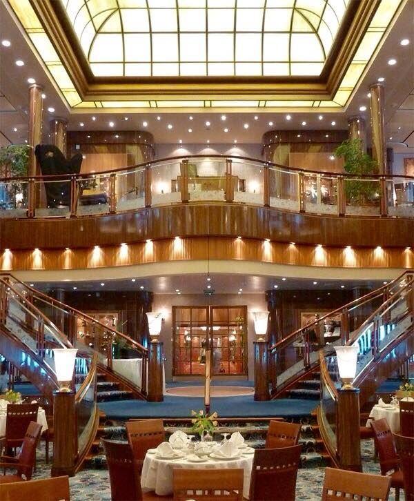 inside the queen mary 2 ocean liner art deco cruceros barcos rh pinterest es