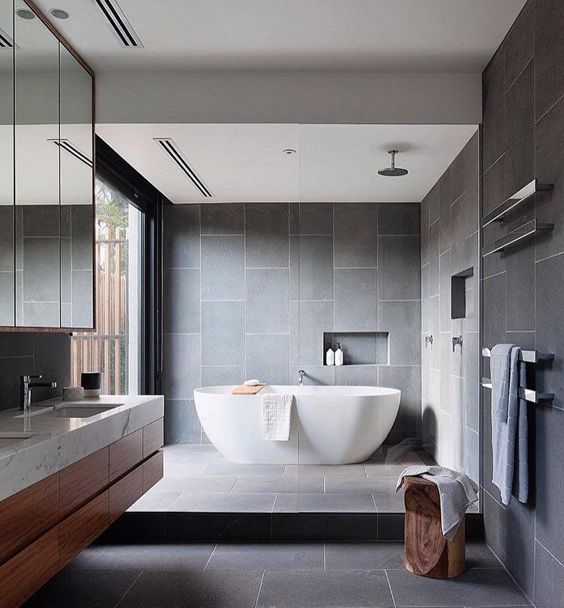 A grandiose bathroom to admire architecture tiles