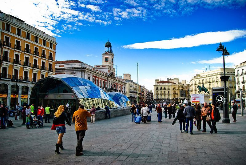 the new center of the puerta del sol plaza in madrid i would die to rh pinterest com