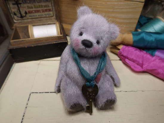 Bobbins by By Barney Bears | Bear Pile