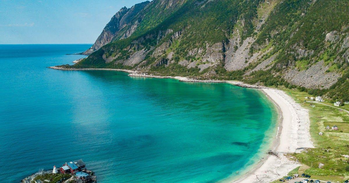 14 Pemandangan Gunung Laut Gambar Foto Udara Teluk Pemandangan Indah Bukit Pulau Download Pemandangan Gunung Lautan Awan Fotog Di 2020 Pemandangan Lanskap Lautan