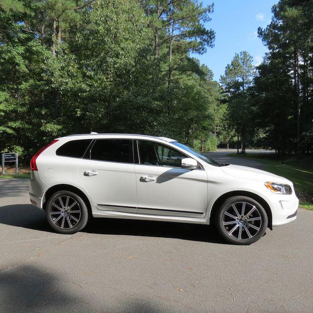 Volvo S60 Awd 2013: 2015.5 Volvo XC60 T6 Drive-E