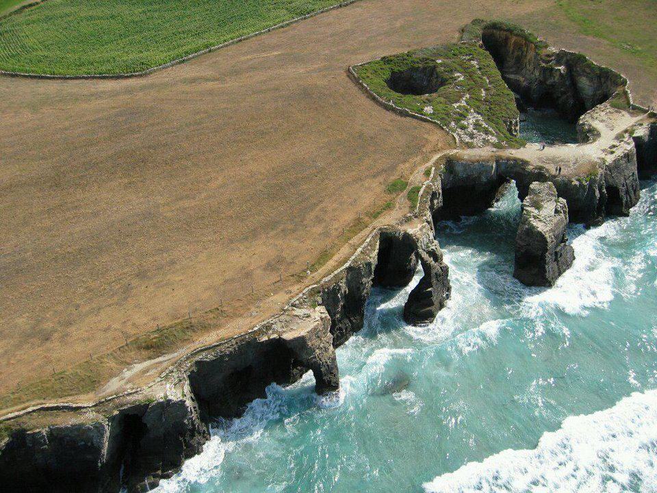 Playa De Las Catedrales Lugo Lugares De España Lugares Para Viajar Paisajes De España