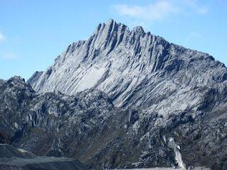 daftar 10 puncak gunung tertinggi di indonesia info pinterest rh pinterest com