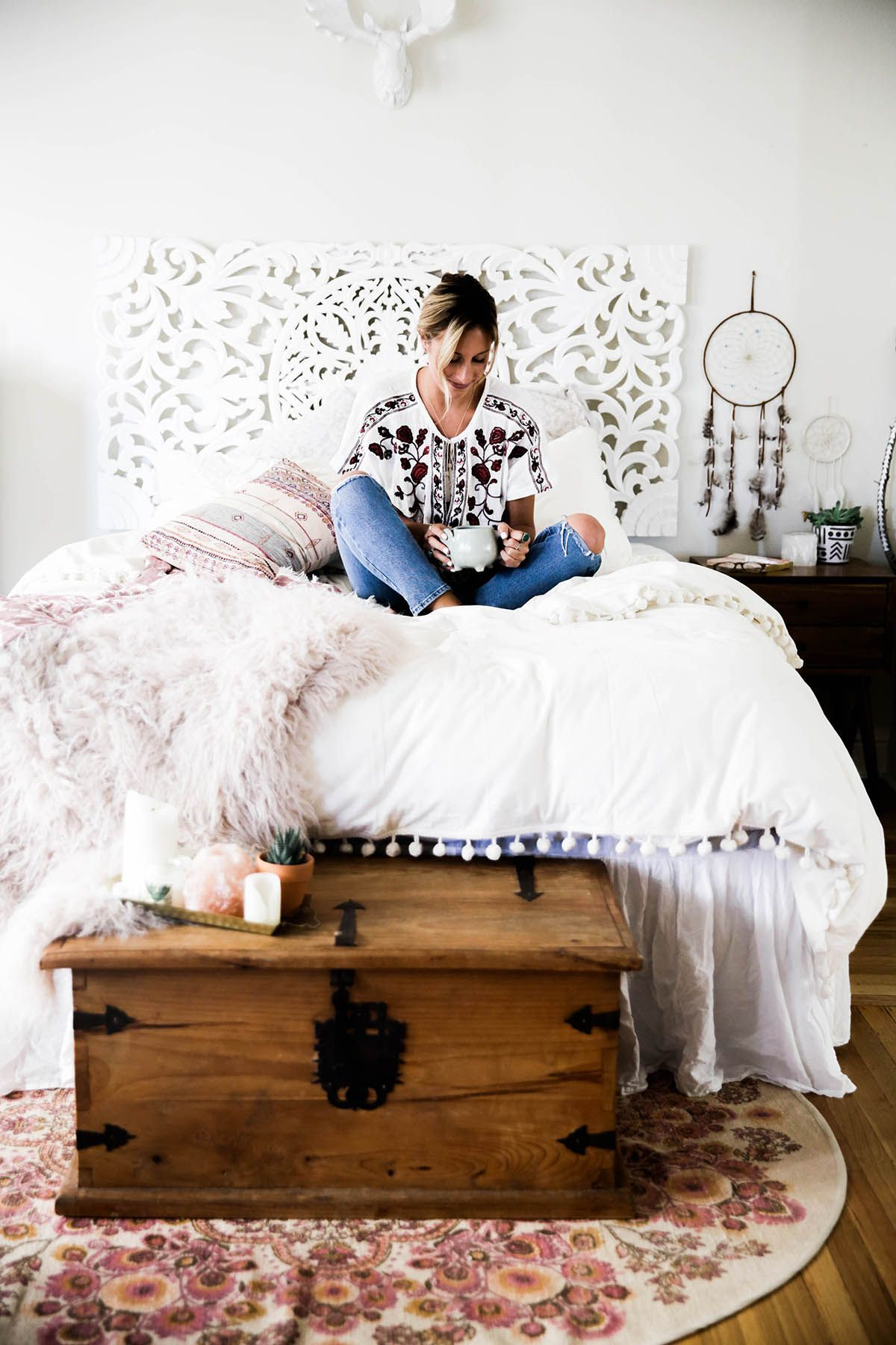 Urban Outfitters bedroom with Magical Thinking Pom-Fringe ...