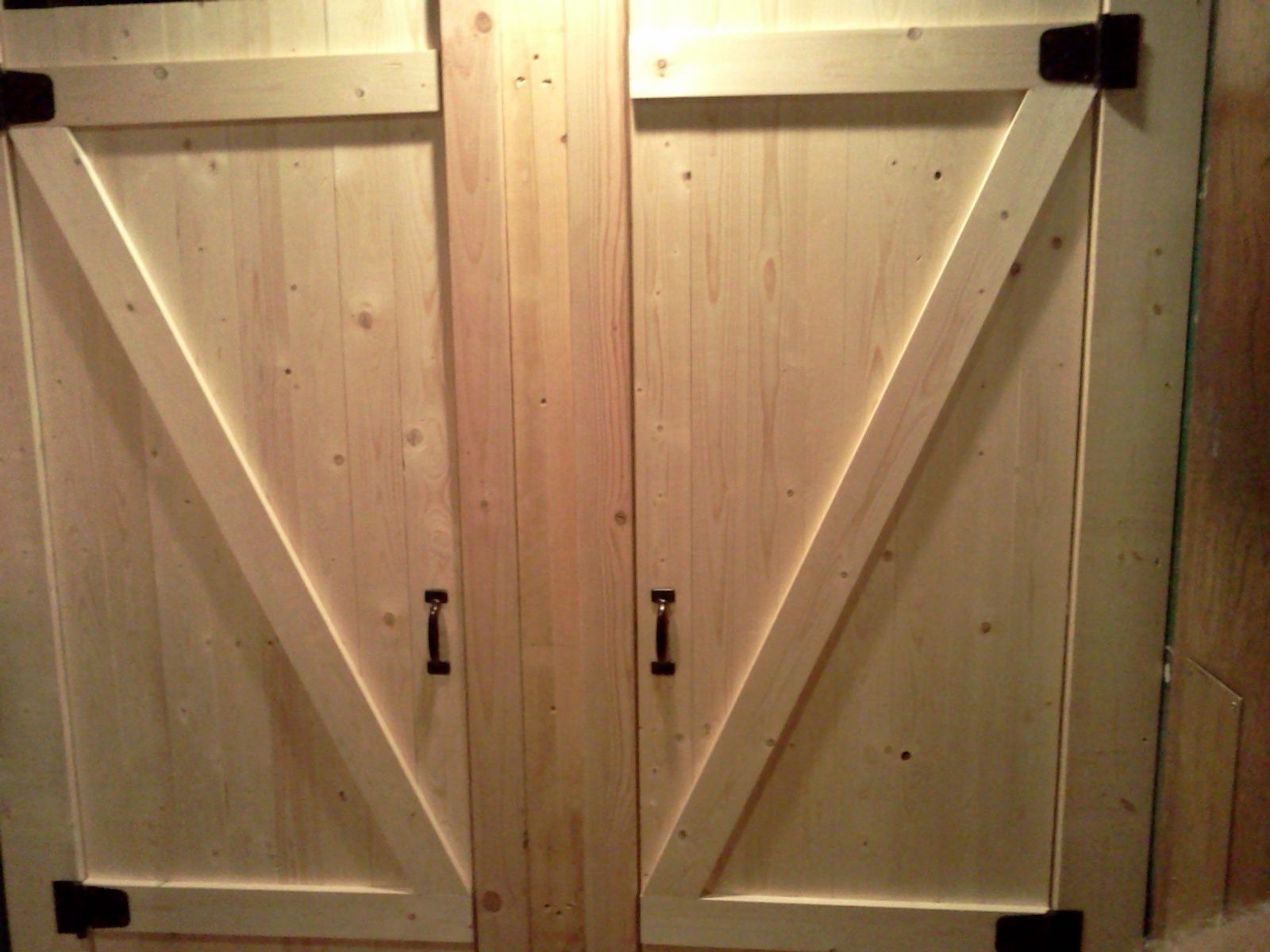 commercial bathroom doors heifer decor bathroom stall barn rh pinterest com