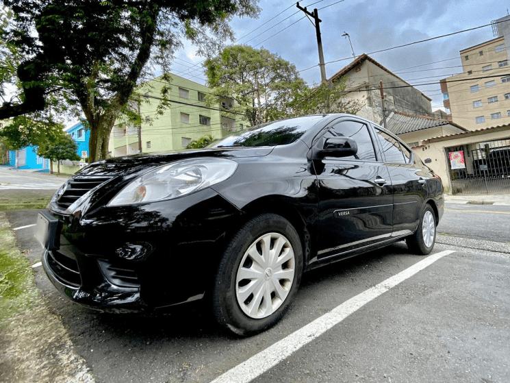 Nissan Versa 1 6 Sv Em 2020 Nissan Carros Usados Carros