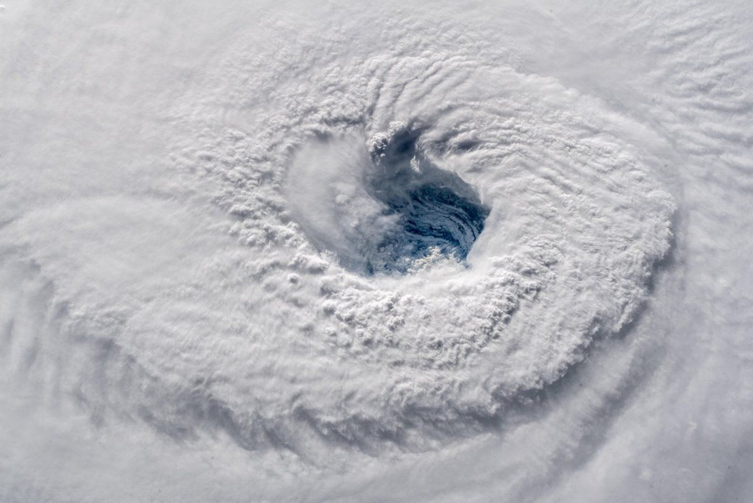 Hurricane Florence Photos Of A Monster Storm Nasa Images Image Of The Day How To Take Photos