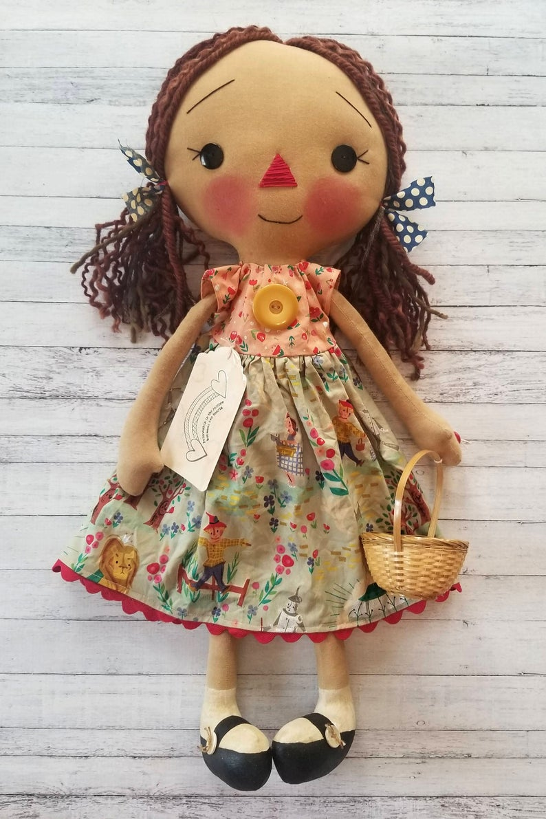 Primitive Bear Cloth Doll Pattern Miss Buzzy Bear /& Her Bee Grocery Bag Holder
