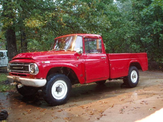 another good looking red 68 international harvester rh pinterest com